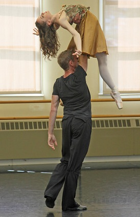 Lend a Helping Hand! (beautiful photo by Manny Rotenburg, stolent from Dance to the Piper blogspot)
