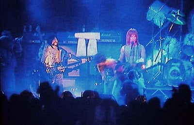 spinal_tap_stonehenge_descend